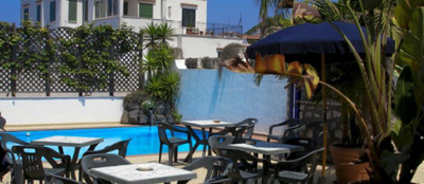 Hotel Il Nespolo *** (Casamicciola T.)